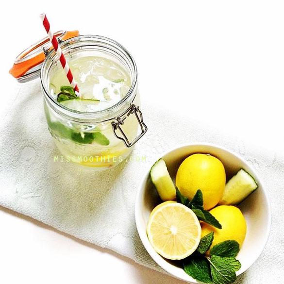 Agua detox de pepino, limón y menta