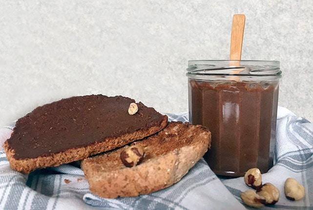tostadas con crema de cacao casera